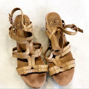 Lucky Brand wedge strappy Sandals 9